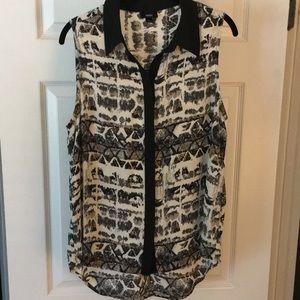 Mossimo patterned sleeveless blouse